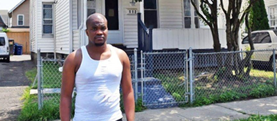 Ex-prisoner en route to job interview takes shirt off back to save man's life